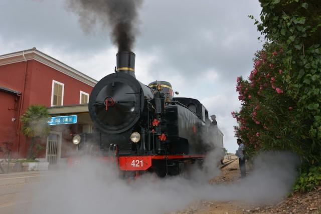 Il Locomotive Festival entra nel vivo il 23 luglio conFrom Station to Station Vintage Edition:si inaugura una locomotiva a vapore del 1931 e si parte per un viaggio alla volta di Matera.