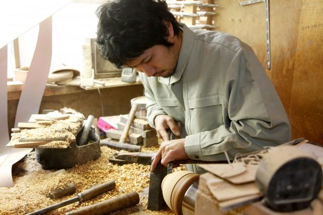 La zonadiWajimaèfamosa per la produzione di oggetti di legnolaccati.