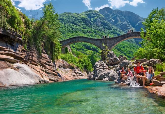 Svizzera weekend in val verzasca la regina di facebook for Val verzasca dove fare il bagno