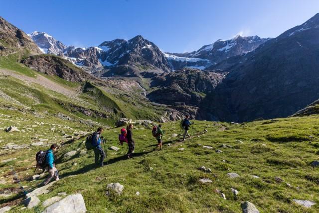 L'Alta Via della Valmalenco è perfetta per coloro che in vacanza amano camminare
