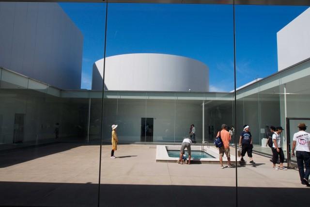Il21st Century Museum of Contemporary Art, realizzato dagli architetti Sejima Kazuyo e Nishizawa Ryue (SANAA).
