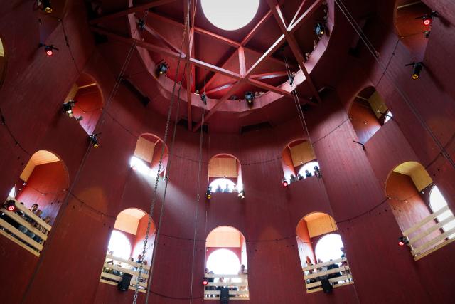 La torre-teatro in Svizzera