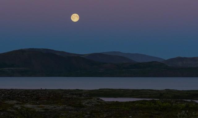 Notte nel Þingvellir National Park, altopiano vulcanico, Patrimonio Unesco.