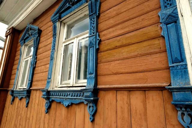 Isba restaurata a Suzdal. Le isbe sono tipiche abitazioni russe di campagna costruite di tavole di legno e tronchi d'albero.