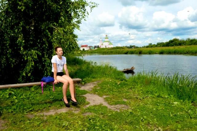 Il fiume Kamenka. Sullo sfondo il Convento dell'Intercessione. È tornato a essere un monastero femminile.