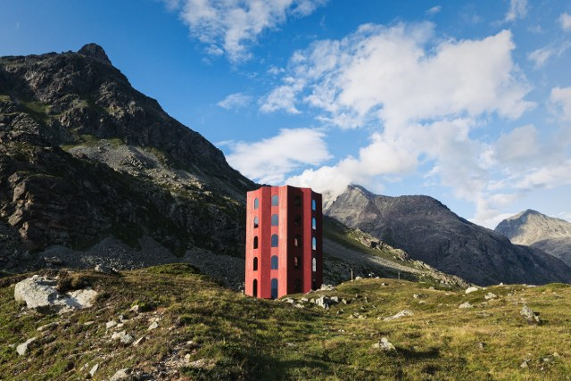 Origen, la torre-teatro nel nulla: aperta in Svizzera, a 2.300 metri
