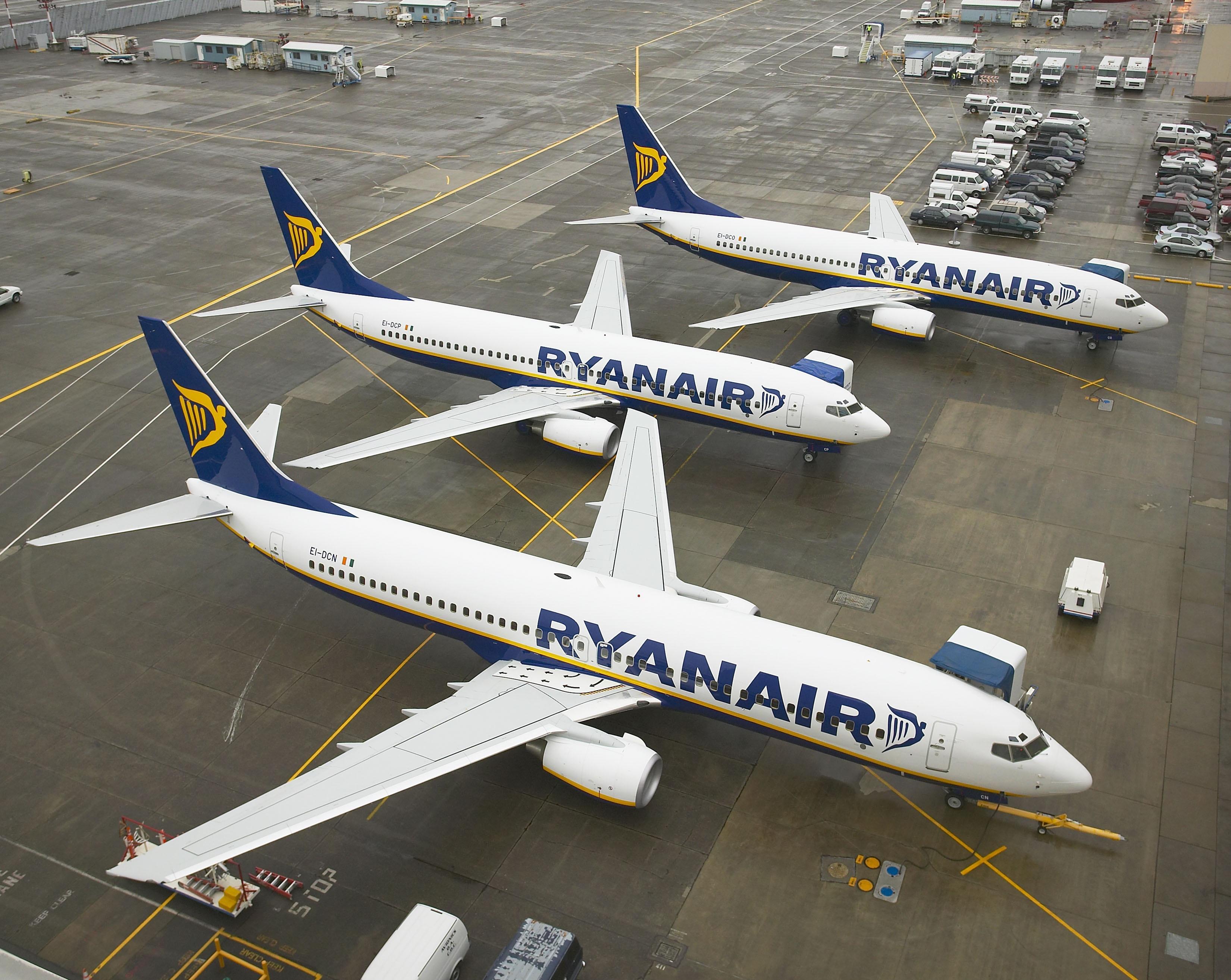 Cancellazione voli Ryanair: prenotazioni e rimborsi