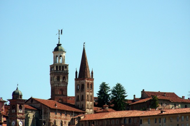 Saluzzo, scorcio con campanili  (Foto R. Lautero)