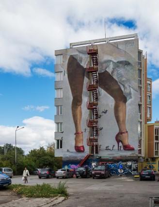 Il murale che decora l'Art Hotel Simona.