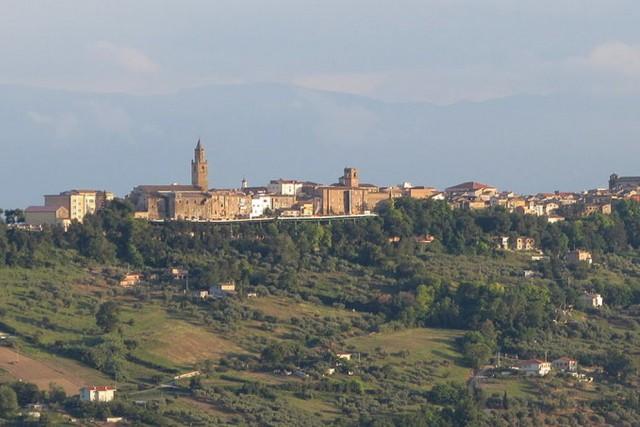San Casciano dei Bagni, Toscana Dominato dal Castello Turrito, questo borgo in provincia di Siena è un importante centro termale, con un bellissimo panorama sulle colline toscane.