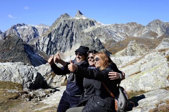 Simona Tedesco, direttore di Dove, con Eusabia e Antonio Damato.