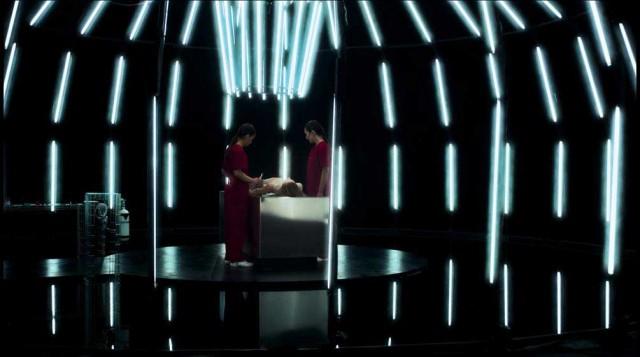 Una scena di Replace, film di Norbert Keil i thriller saranno proiettati durante il Science+Fiction Festival a Trieste.