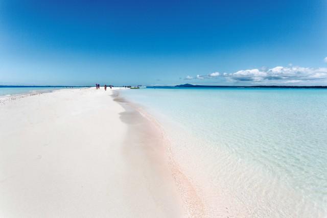 L'atollo di Nokanhui, una striscia di sabbia bianca protesa nelle acque cristalline al largo dell'Île des Pins.