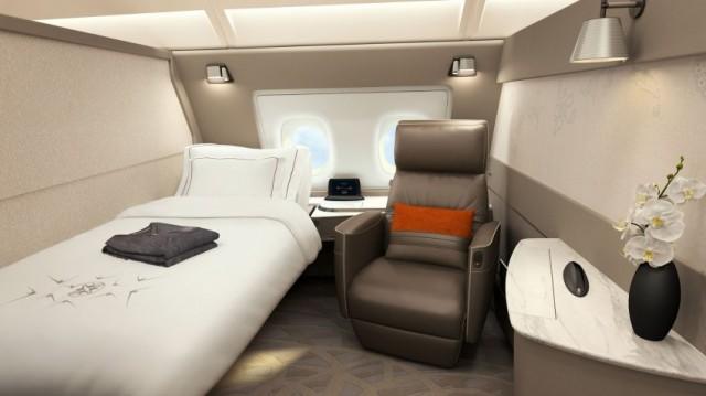 Ogni suite è caratterizzata da un letto separato da una poltrona di pelle reclinabile, che permette ai passeggeri di scegliere se sedere comodamente sul sedile o riposare sul letto senza la necessità di convertire la poltrona in letto. Le sei suite di circa 4,6 metri quadrati si trovano nella sezione frontale del piano superiore dell'aereo