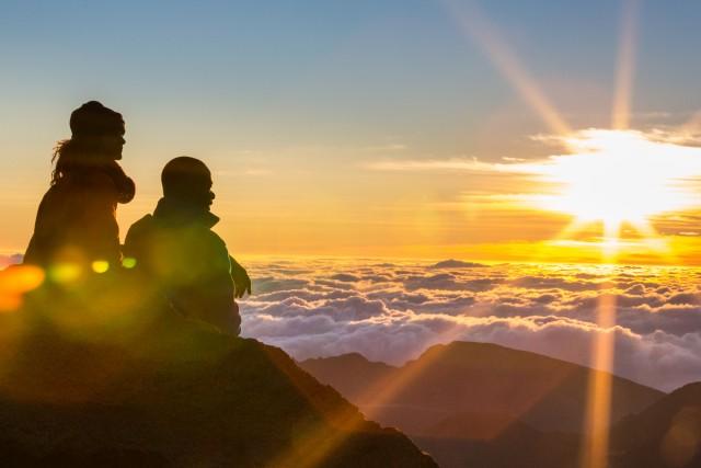 Lo spettacolo dell'albavisto dall'Haleakala, sull'isola di Maui.
