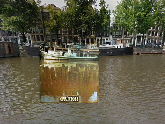 PopSpots,pagina di Facebook che cerca i luoghi reali delle cover musicali più celebri, ha indicato l'indirizzo dove ritrovare la simbolica immagine di Holland dei Beach Boys: si troverebbe tra i numeri 23 e 20 di Kromme Wall, affacciata su uno dei tanti canali che percorrono in centro di Amsterdam.
