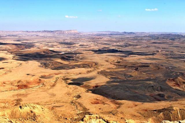 Vista sul cratere Ramon,originato da una depressione marina quando il deserto era coperto dalle acque.