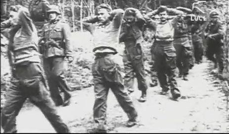 24- 28 settembre 1943, Eccidio di Cefalonia: migliaia di soldati italiani, prevalentemente delladivisione Aqui, persero la vita per mano dell'esercito tedesco impegnato nel disarmo della guarnigione italiana che si era rifiutata di cedere le armi dopo l'armistizio del 8 settembre.