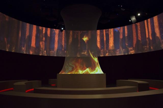 """Tra le attrazioni, 6 grandi """"giostre"""" educative: padiglioni didattici a tema, interattivi, su vari temi dagli animali alla terra, al mare, al fuoco (nella foto)."""