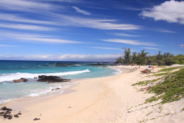 Makalawena Beach è una delle candide spiagge che si incontrano lungo la costa nord di Kona, a Big Island.