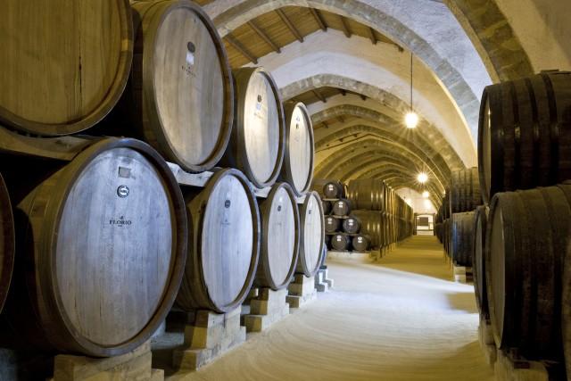 Le Cantine Florio, dove si assaggianoi Marsala, Fine e Vergine, Superiore e Riserva, nelle sale di degustazione Donna Franca e Duca Enrico.