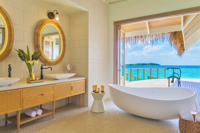 Al Milaidhoo Island resort, la vistada ogni villa è a 180 gradi sulla laguna.