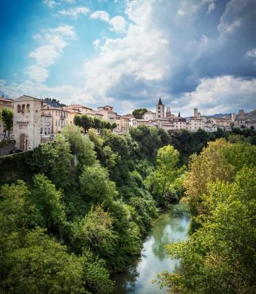 Ascoli Picenoè una città tra duefiumi, il Tronto e un suoaffluente, il Castellano.