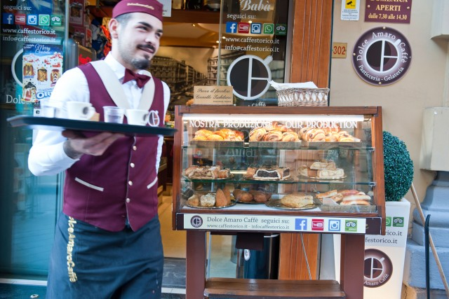 La pasticceria Dolce Amaro Caffè, in via Duomo.