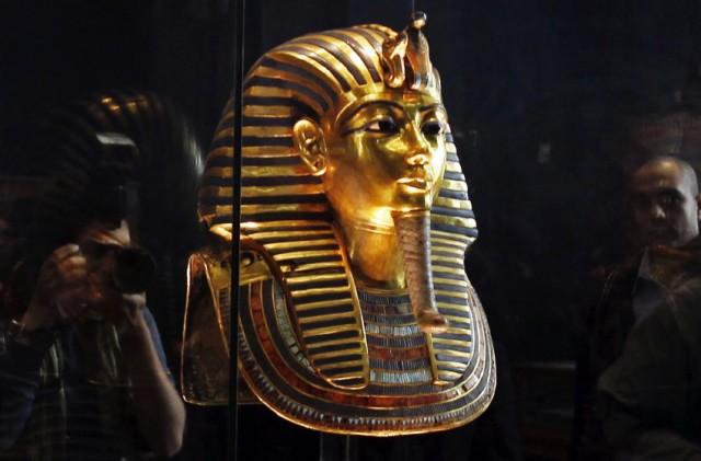 Una delle opere d'arte più conosciute del mondo,la maschera funeraria di Tutankhamon, si trova ancoraal Museo Egizianodel Cairo