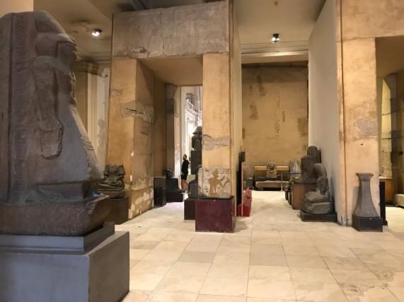 Nel museo del Cairoci sono circa 120.000 pezzi che ripercorrono la storia delle dinastie