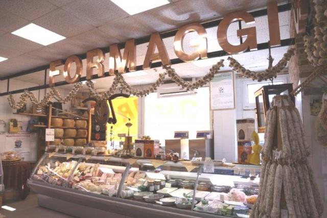 Regali di Natale solidali: cosa comprare dai produttori