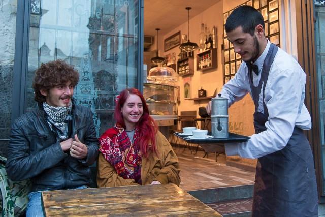 Un altro punto di ritrovo a Napoli è il Caffè San Domenico, in piazza S. Domenico Maggiore.