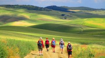 Via-Peuceta—Sullo-sfondo-il-santuario-di-Picciano