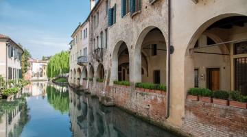 Treviso in bicicletta tra mostre, canali e trattorie