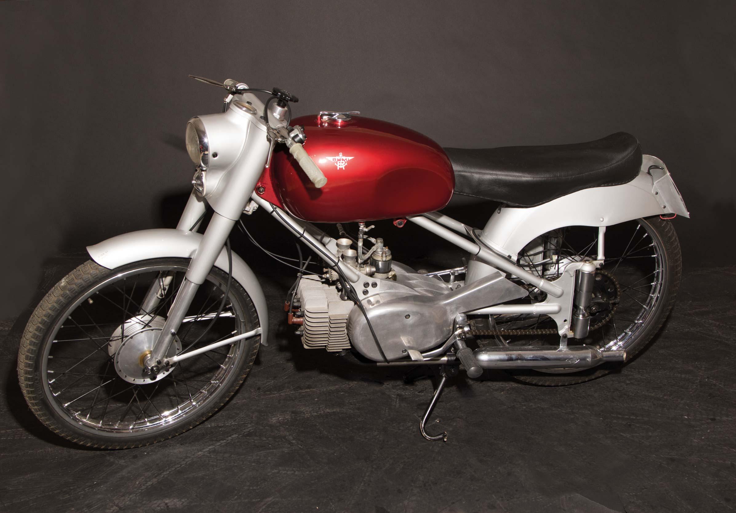 Moto d 39 epoca finarte a bergamo gioielli su due ruote all for Case d epoca