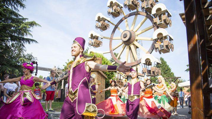 Foto Scivoli e giostre: riaprono i parchi divertimento italiani