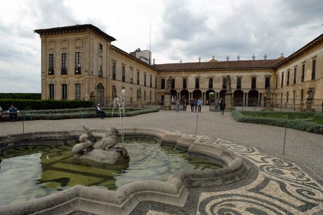 Villa Arconati, facciata interno, foto di Carlo Rotondo