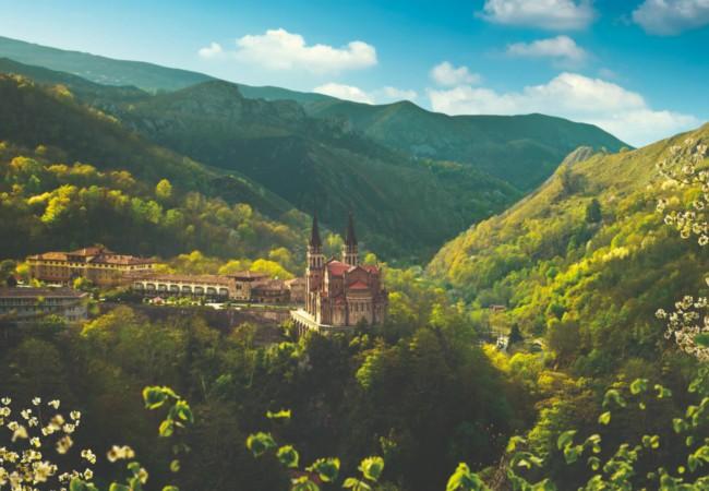 DOVE Basílica de Covadonga - Picos de Europa