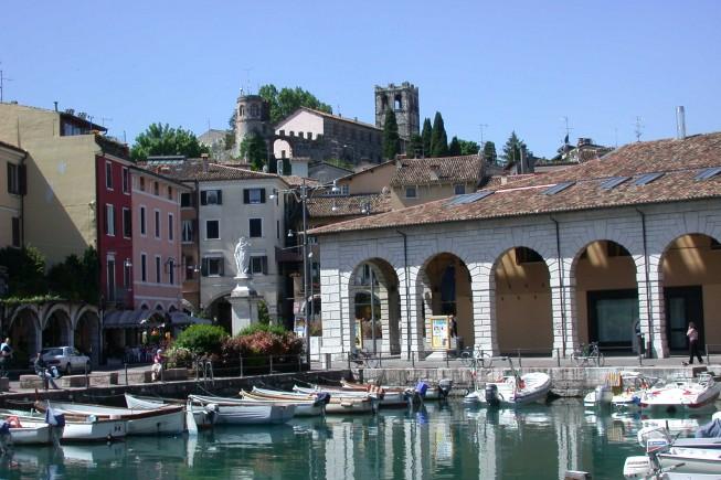 Old_port_of_Desenzano