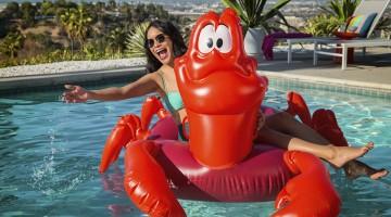 sebastian-pool-float-curate-item