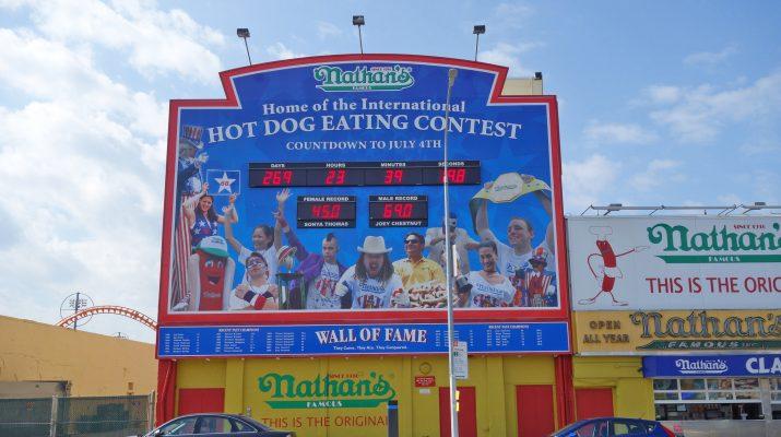 Foto Coney Island golosa: il Campionato dei mangiatori di hot dogs