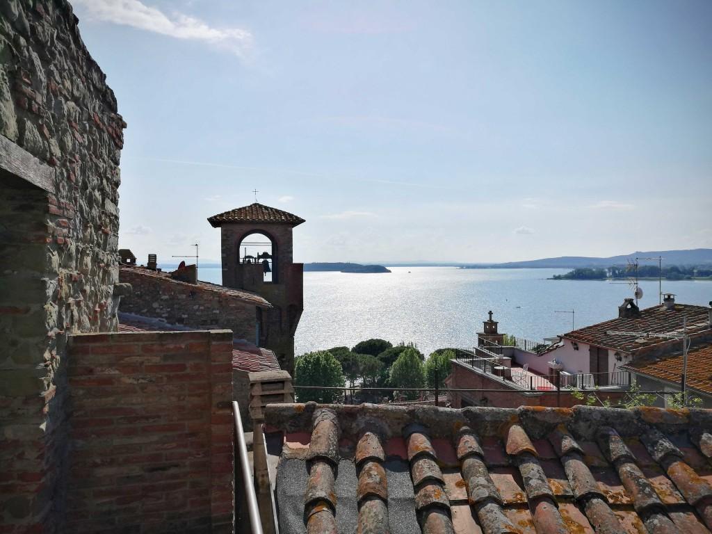 Lago-dai-tetti-di-Passignano2