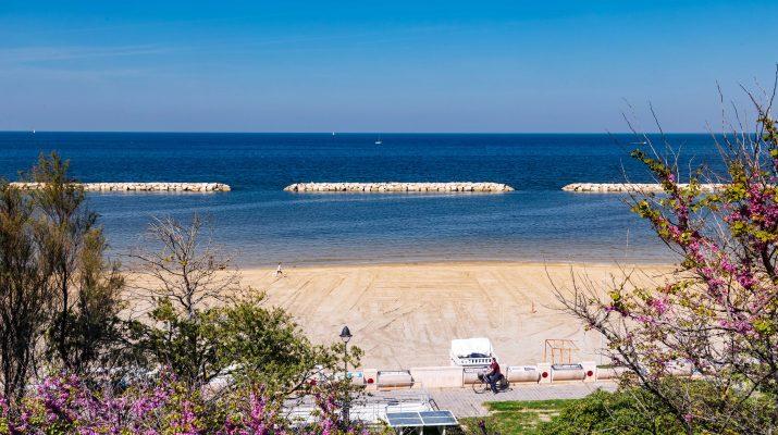 Foto Pesaro, tra spiagge e ciclabili sul mare