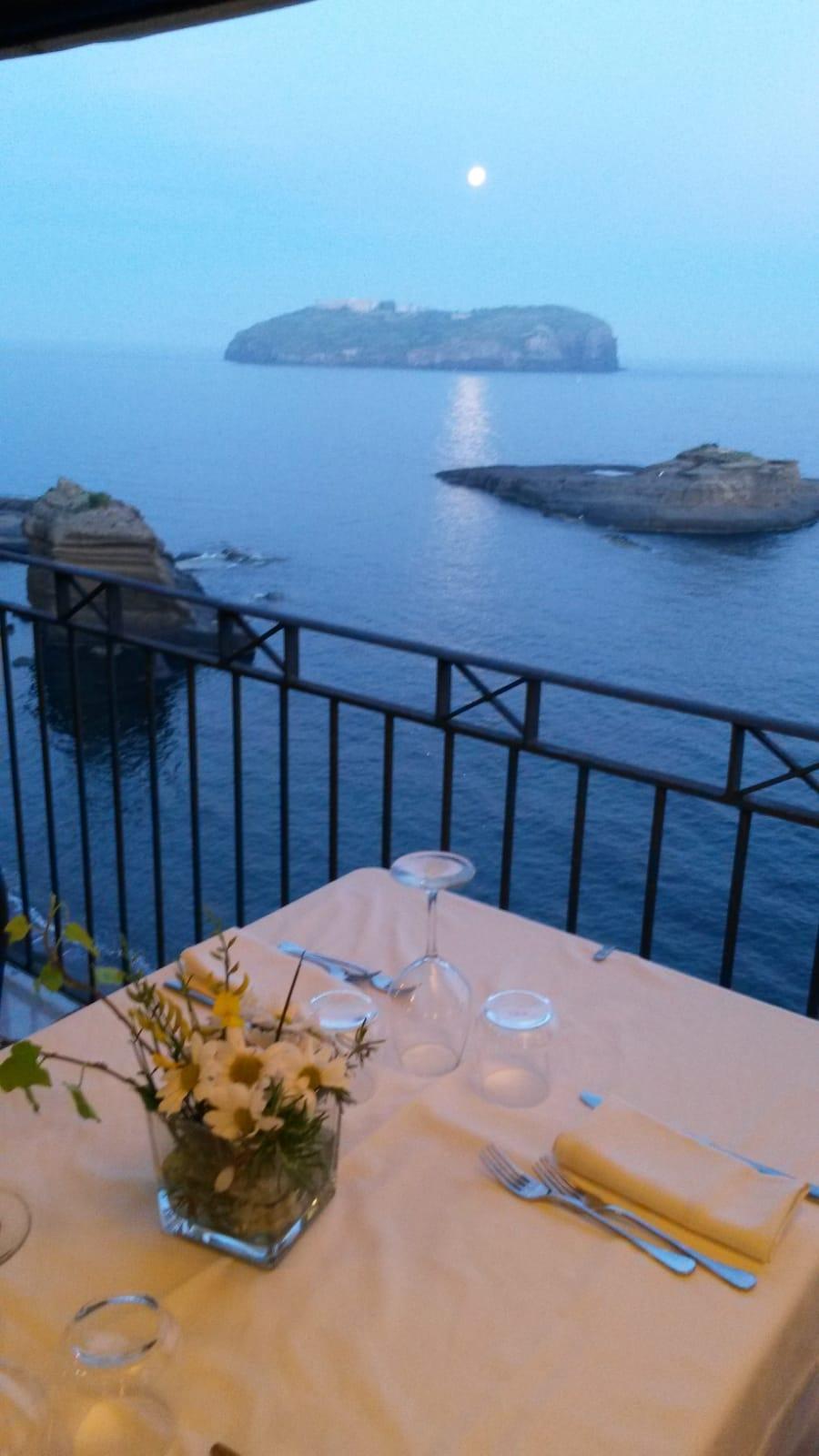 Ventotene, il gusto di una vacanza selvaggia