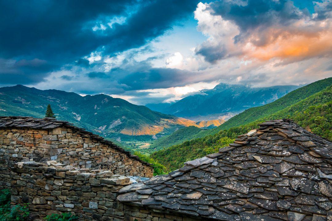 Albania del sud on the road