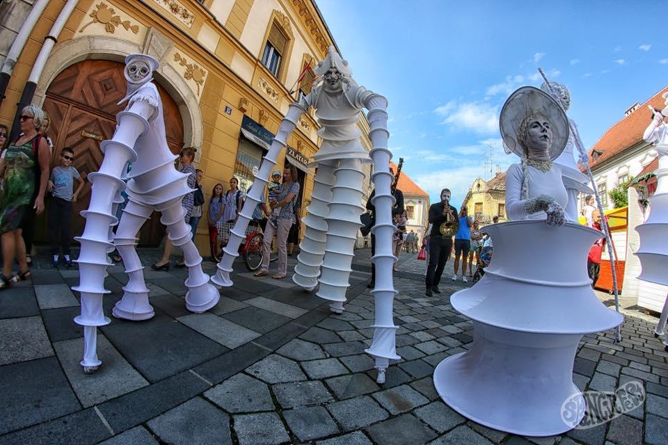 Sarnico Busker Festival: il gruppo Invasioni Lunari