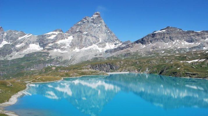 Foto Un tuffo nei laghi più belli (e puliti) d'Italia