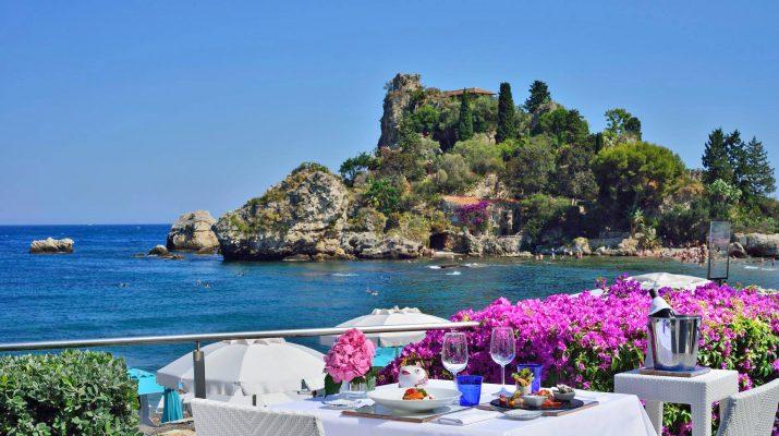 Foto Un tavolo sul mare: i ristoranti a pelo d'acqua