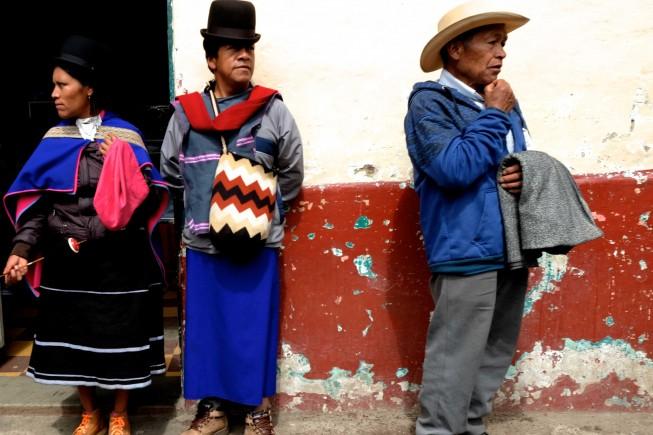 Indios Misak al mercato di Silvia, Colombia