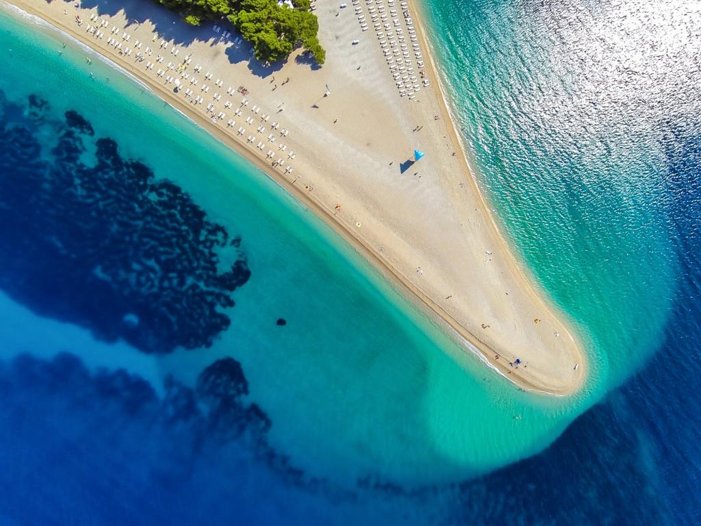 Croazia in barca: alla scoperta di Brac e della sua spiaggia più famosa, il Corno d'Oro.
